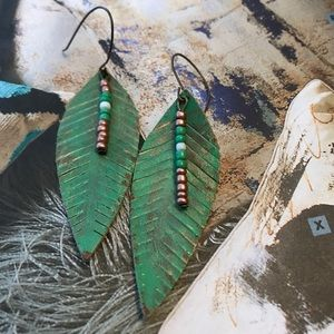 "3.5"" leaf w/seed beads distressed look."